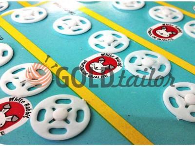 Купити Кнопка White Rabbit №12 пришивними пластикова біла 10 mm